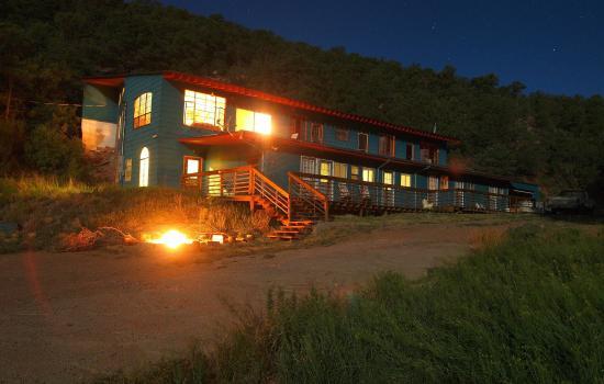Cloudcroft Mountain Park Hostel: Campfire Night