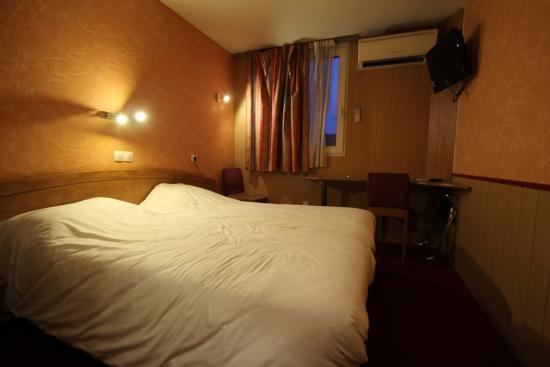 Au Relais Saint Eloi: room1