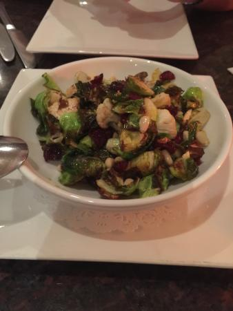 Roy's Poipu Bar & Grill : Crispy fried brussel sprouts with cauliflower