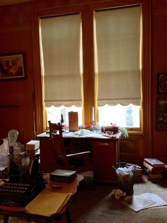 John Muir National Historic Site: John Muir's writing desk
