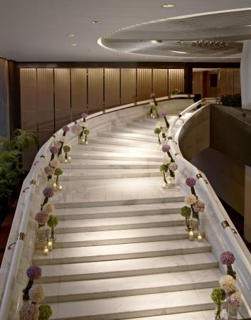 InterContinental Hong Kong: White Marble Staircase
