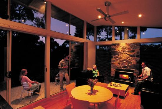 Southern Ocean Retreats: Dining/lounge