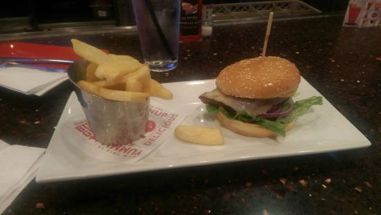 Red Robin Gourmet Burgers: Spicy Chicken Burger