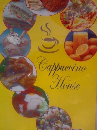 Cappuccino House: Na entrada