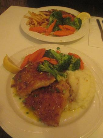 Tomkats Grille: Our dinners