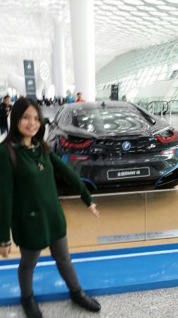Chaohai Hotel : Car display at Bao' an international airport Shenzhen.
