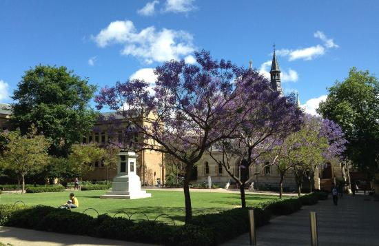 Migration Museum: Near Stunning Gardens