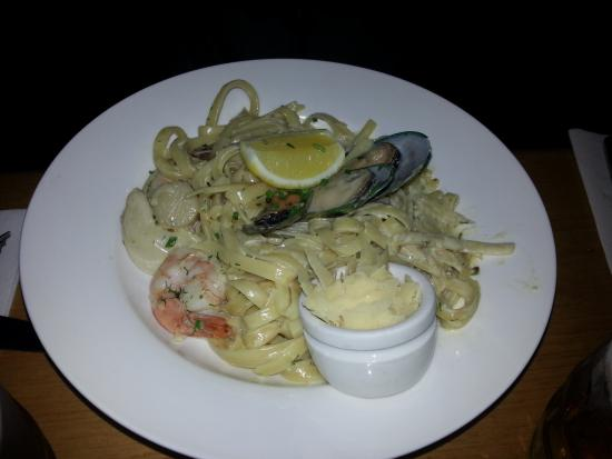 Hamers Hotel Bar and Grill : amazing seafood fettuccine
