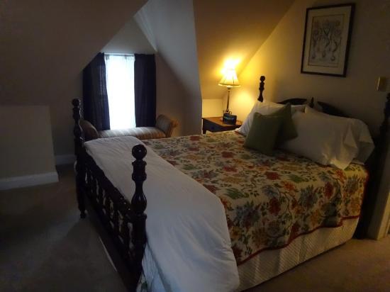 Cornerstone Bed & Breakfast: Bed room 1