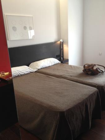Hotel Marina Atarazanas: номер
