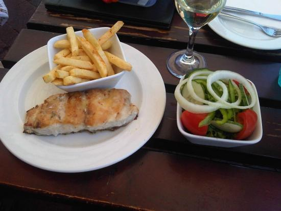 Mitchell's Scottish Ale House: Grilled linefish