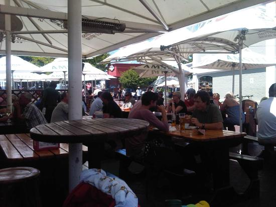 Mitchell's Scottish Ale House: The outside deck