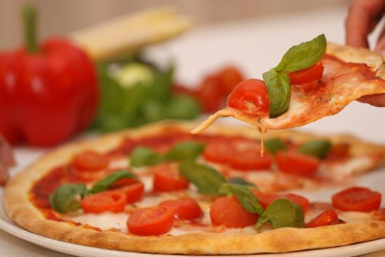 Wirtshaus & Hotel Lener: Pizza aus dem Holzofen
