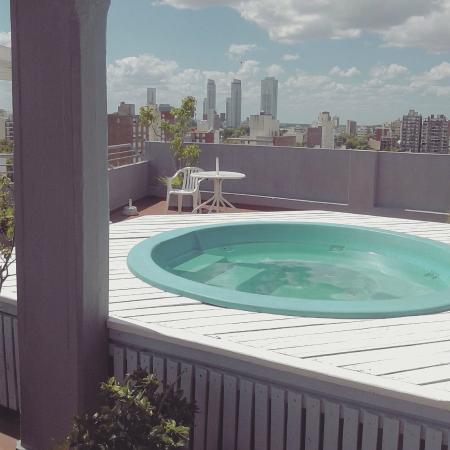 Apart Hotel Alvear: Jacuzzi y terraza