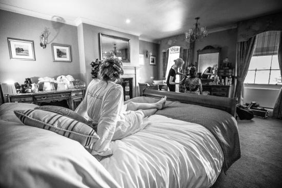The Hop Pole: Wedding Morning - bridal Suite