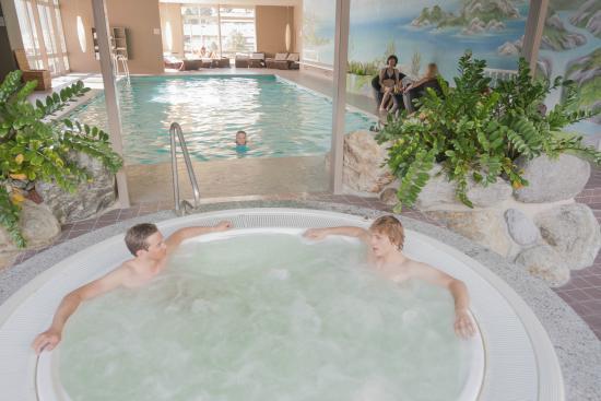 Hotel Belvedere Grindelwald Garten Mit Sole Whirlpool Garden With
