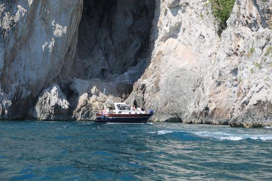 You Know! - Boat Excursions & Service: Capri by boat - White cave