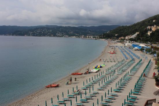 Villa Imperiale Hotel: Пляж Споторно.