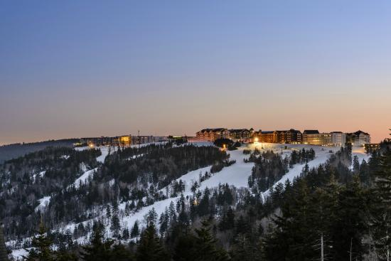 ‪‪Snowshoe Mountain Resort‬: The Village at Snowshoe‬
