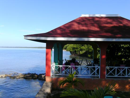 Westmoreland Parish, Jamaica: The restaurant above the sea