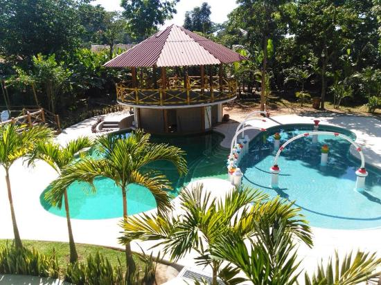 Hotel y bungalows el jardin prices campground reviews for Piscina en el jardin