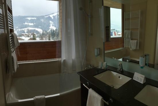 Austria Trend Hotel Alpine Resort Fieberbrunn: Bad in Executive Room