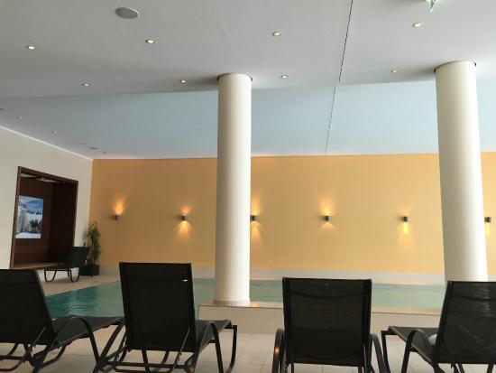 Austria Trend Hotel Alpine Resort Fieberbrunn: Poolbereich