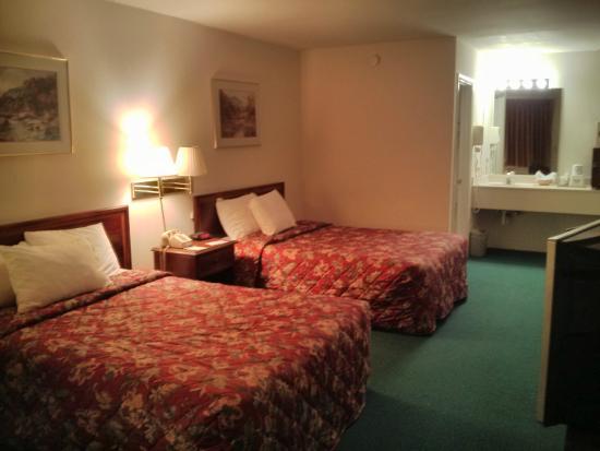 Days Inn Staunton North: Room