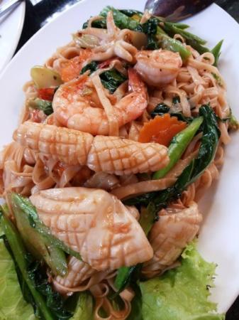L'Orchidee Restaurant : Seafood egg noodle