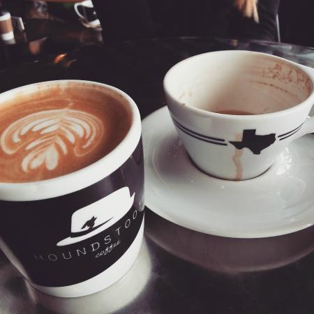 Houndstooth Coffee: latte and cappuccino cups