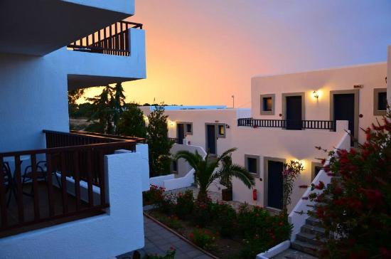 Hersonissos Village Hotel: zachód słońca z pokoju