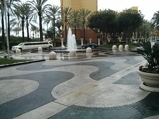 Welcoming Entrance Picture Of Hyatt Regency Orange County Garden Grove Tripadvisor