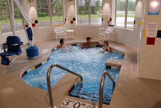 Mole Lake Casino & Lodge: Hot Tub