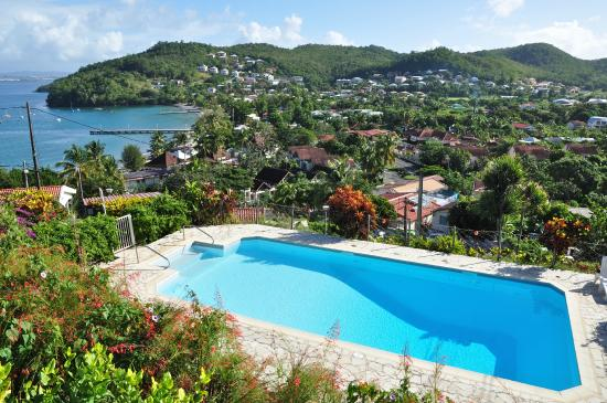Hotel Le Panoramic: La piscine et la vue
