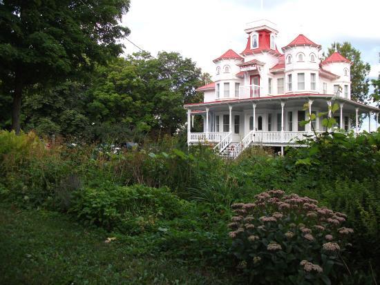 La Maison de l'Ermitage : Le gîte l'Ermitage situé à moins de 10 minutes à pied du centre-ville