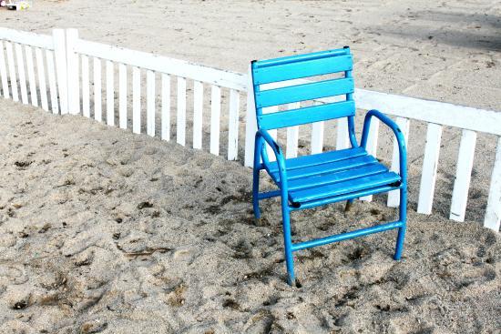 les chaises bleues de la croisette picture of cannes. Black Bedroom Furniture Sets. Home Design Ideas