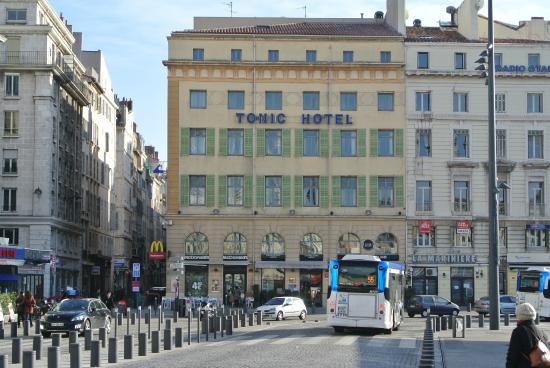 Porte salle de bain foto di grand tonic hotel vieux port - Hotel formule 1 marseille vieux port ...