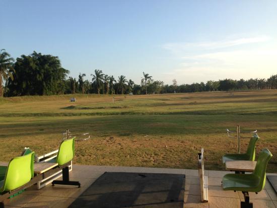 Palm Driving Range & Resort : driving