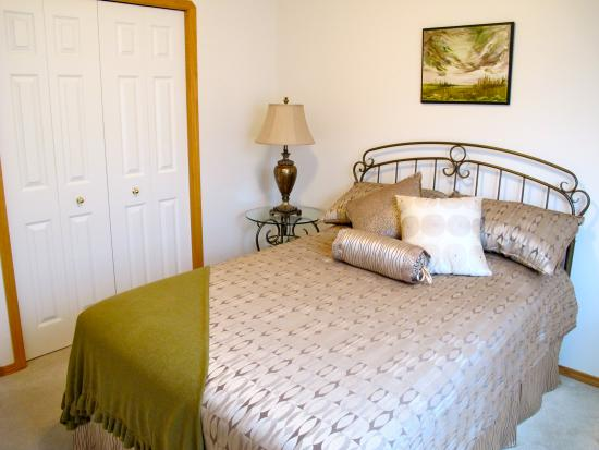 Inn-Chanted Bed & Breakfast: The Garden View