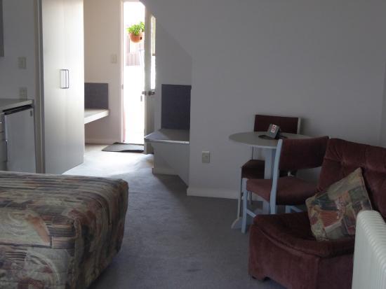 Village Inn Hotel : Zimmer