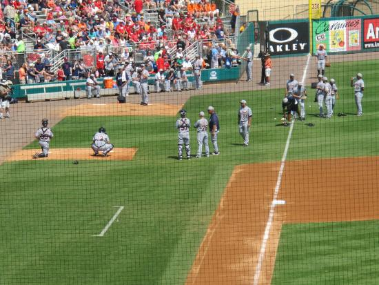 Roger Dean Stadium : Detroit Tigers warm up for a game with Cards at Dean Stadium