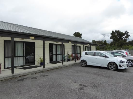 Aspiring Court Motel: Außenansicht des hinteren Motel-Bereichs
