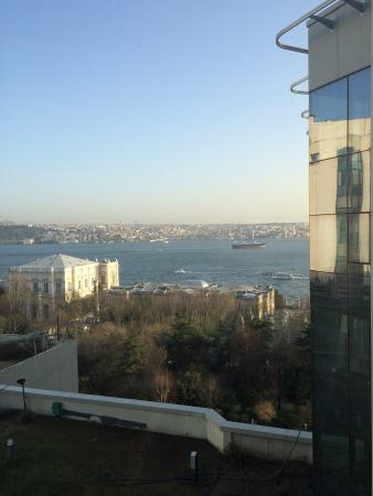 Swissotel The Bosphorus: View from rooms hallway