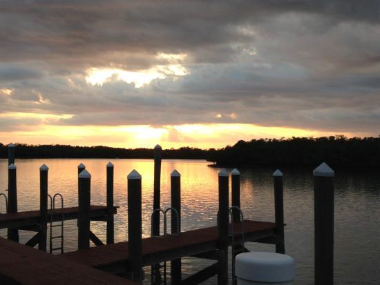 Old Marco Lodge Crab House: Aussicht auf den Sonnenuntergang