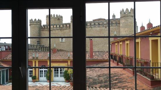 Hotel Huerta Honda: Vistas desde pasillos