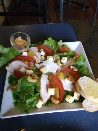Filadelfio's Restaurant : Chicken,cashew and mango salad - small serve