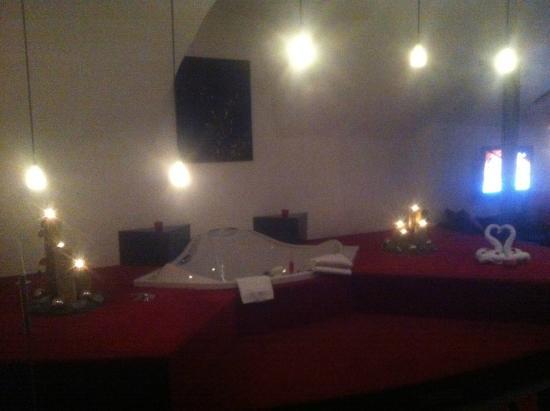 Romantik Hotel Bären: Rosensuite