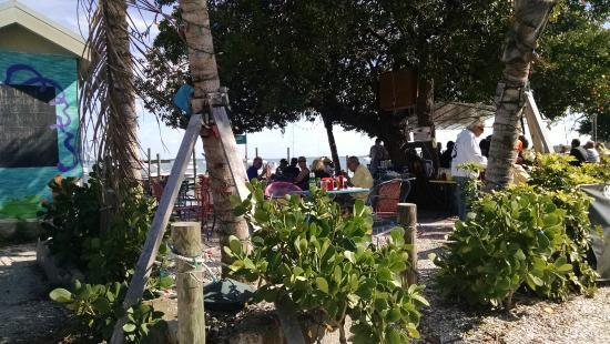 Bridge Tender Inn: Outdoor seating area