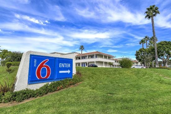 Motel 6 Carlsbad South: Exterior
