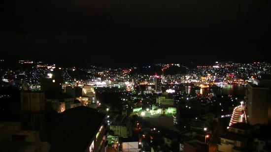 Nagasaki Blue Sky Hotel : 部屋からの夜景